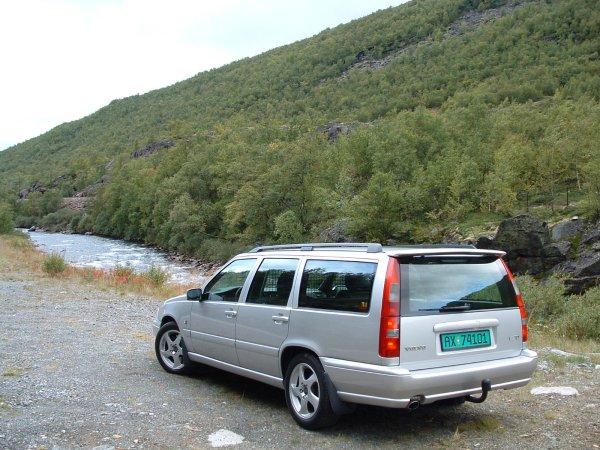 V Van Norway on 2003 Volvo S70